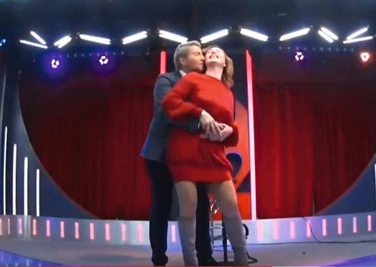 Фирменная фишка Довлатовой — танцы в конце программы