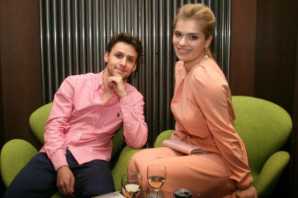 Анна и Алексей не могут определиться с датой свадьбы