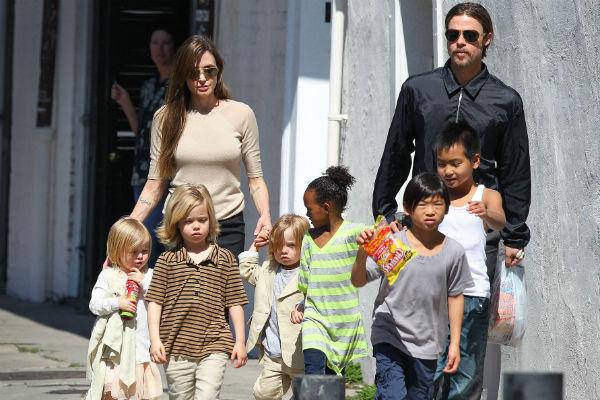 У Анджелины Джоли и Брэда Питта шесть детей