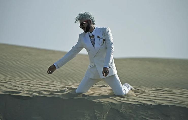 Часть съемок проходила в пустыне.
