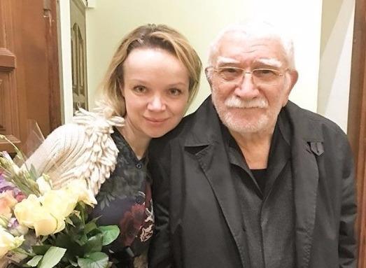 Оксана Пушкина заявила о разводе Армена Джигарханяна
