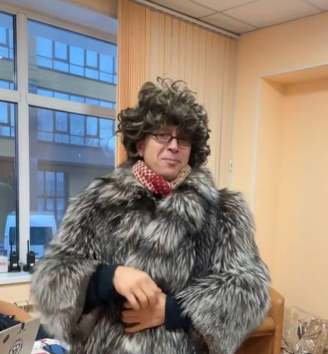 Алексей Ягудин в образе Татьяны Тарасовой