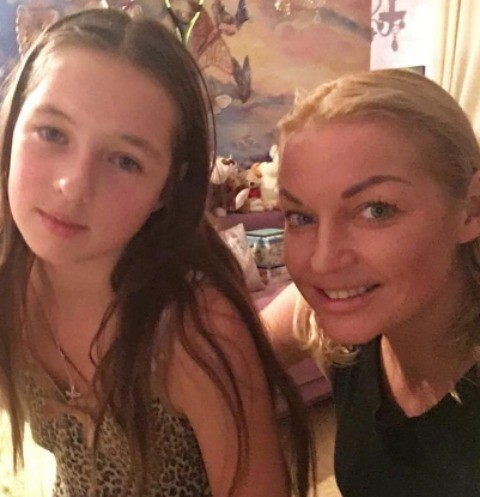 Анастасия Волочкова ни в чем не отказывает Ариадне