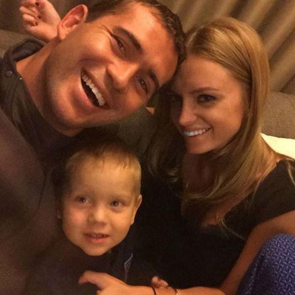 Счастливая семья опубликовала первое совместное селфи