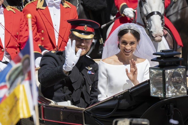 Совсем скоро правнучку королеве подарят принц Гарри и Меган Маркл