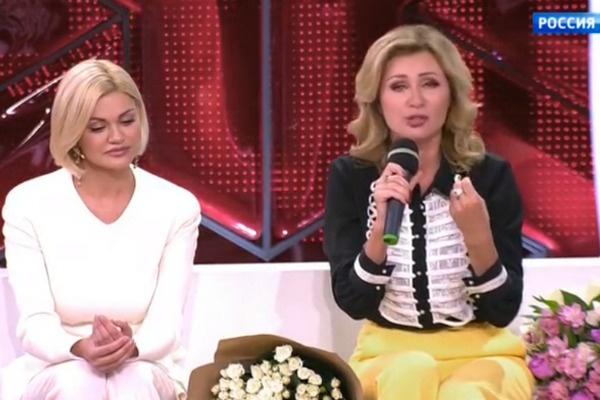 Ирина рада, что у ее сына такая крестная мама, как Цыганова