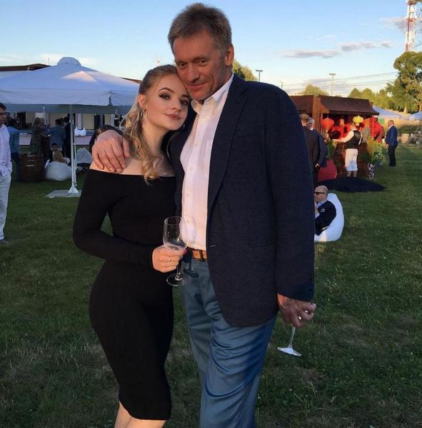 Лиза говорит, что хочет выйти из тени знаменитого отца
