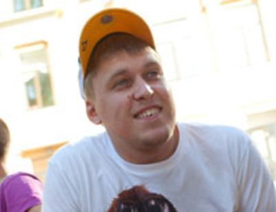 Александр Незлобин отметил день рождения в машине