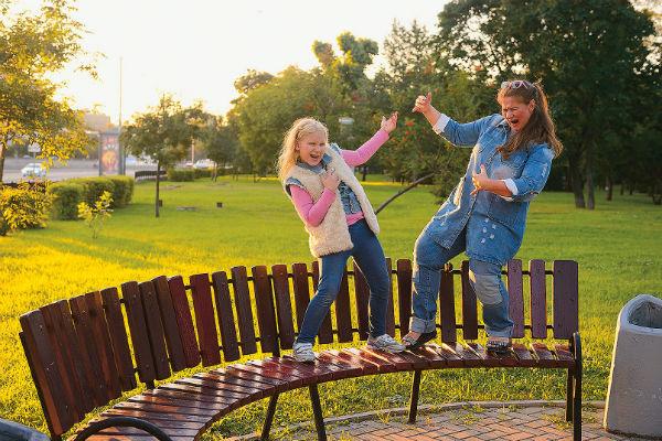 Редкие свободные дни между съемками мама и дочка проводят вместе
