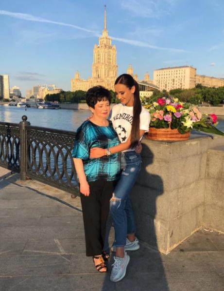 Ольга Бузова с бабушкой Аллой Тимофеевной