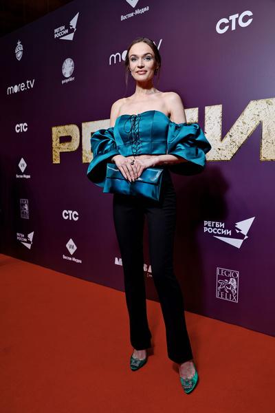 Алена Водонаева на премьере «Регби»