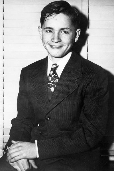 С подросткового возраста Чарли промышлял воровством и угоном машин