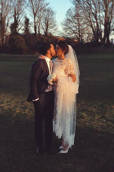Пара поженилась в Англии в январе 2017 года