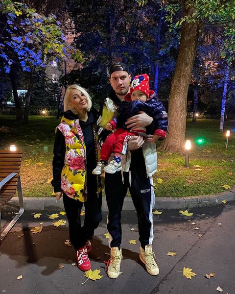 Любимый муж Игорь Макаров и дочь Маша переживали за звезду