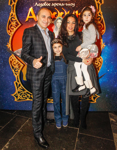 Михаил Турецкий с семьей