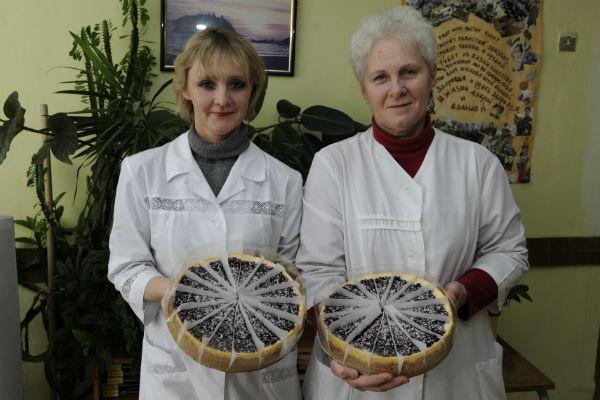 Торты для бабушек и дедушек сделали в пекарне Нью-Йорк Bakery
