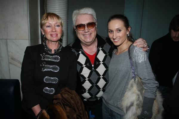Между двух балерин — с женой и дочерью