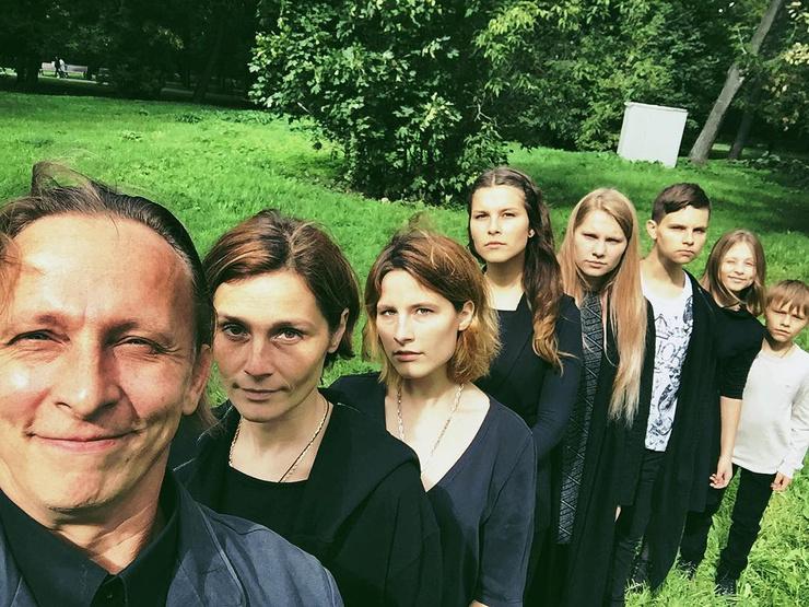 Иван и Оксана воспитывают шестерых детей
