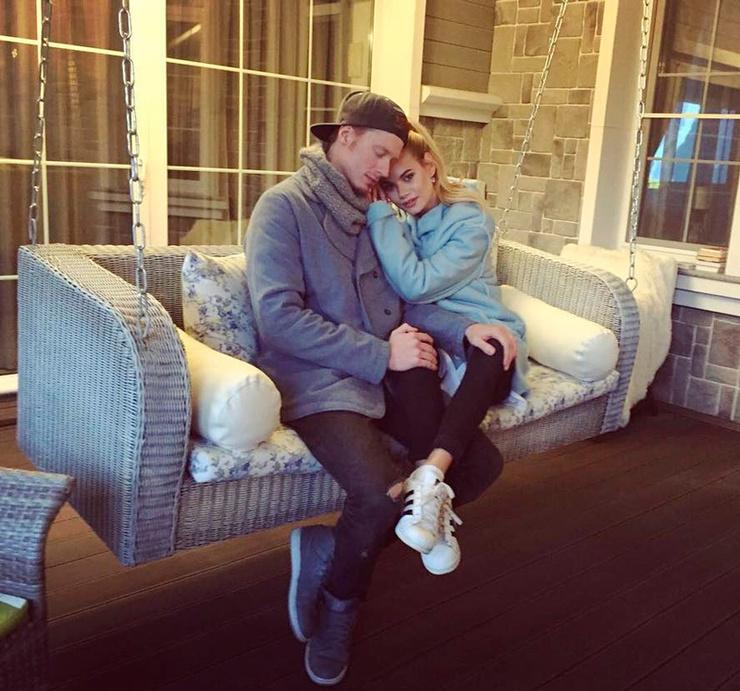 Никита Пресняков с женой Аленой Красновой