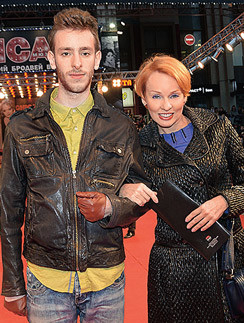 Жанна Эппле с сыном Потапом
