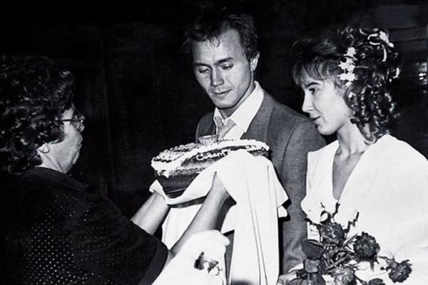 Andrey Vladimirovich has an unsuccessful marriage with Tatyana Frantsuzova