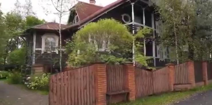 Большой дом Боярского в поселке Грузино