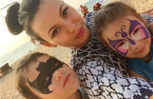 Инна Жиркова с детьми