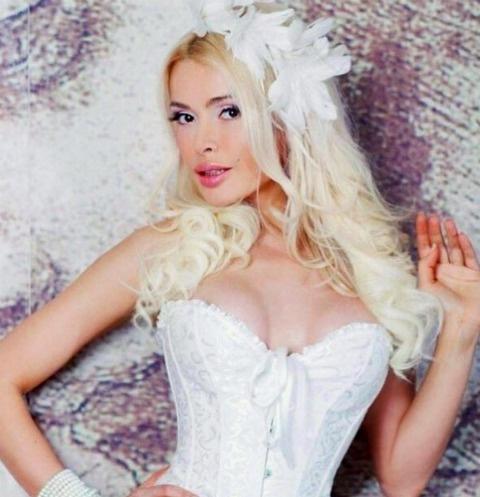 Алена Кравец обвинила домработницу в воровстве