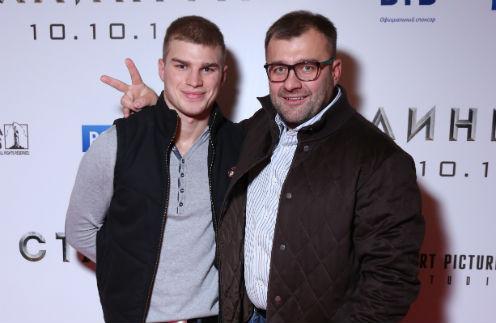 Заботясь о семье сына, Пореченков добавил ему денег на первый ипотечный взнос