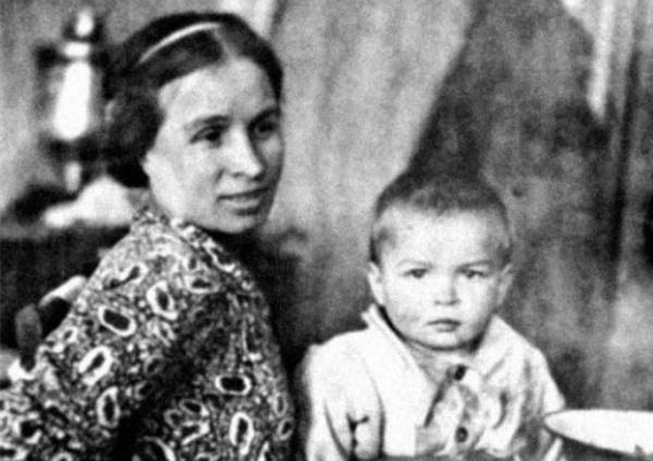 Рудольф Нуреев родился в поезде