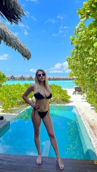 Боярская отправилась отдыхать на Мальдивы