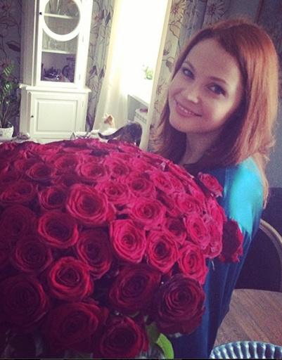 Екатерина Вуличенко и ее вариант миллиона алых роз