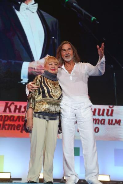 Наталья Гвоздикова и Никас Сафронов