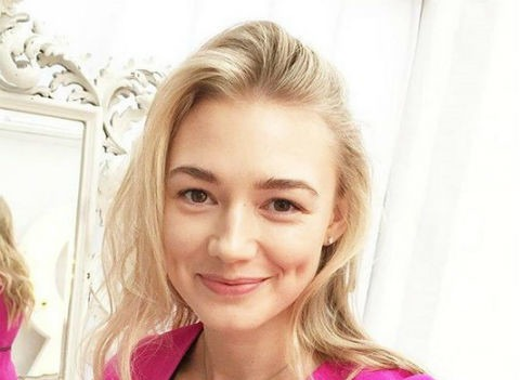 Оксана Акиньшина вернулась к мужу