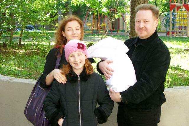 У Андрея родились три дочки