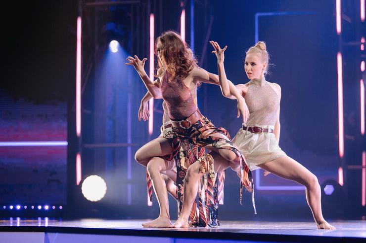 Дежавю? На сцену вместе с Алиной Артишевской вышли сестры Михайлец — участницы первого сезона программы