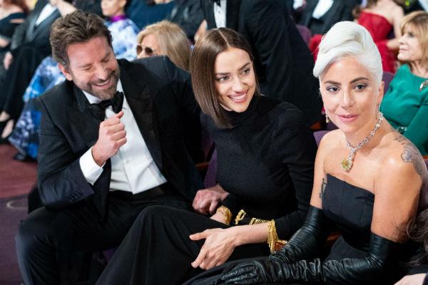 Поклонники считают, что Леди Гага хочет увести актера у Ирины Шейк