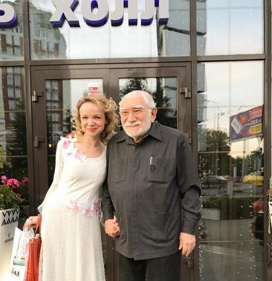 Армен Джигарханян женился на Виталине Цымбалюк-Романовской в феврале 2016 года