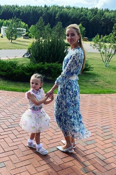 Татьяна много времени уделяет воспитанию дочери