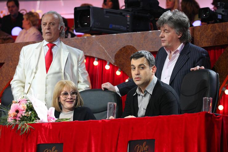 «Владимир и Елена, вы не пели, а кричали. Простите, но я устала от этой прекрасной песни!» — заявила на шоу «Две звезды» актриса
