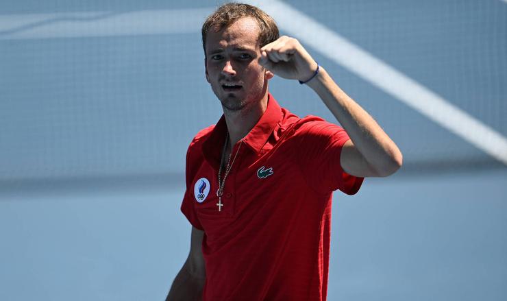 Даниил Медведев был возмущен вопросами о сборной России