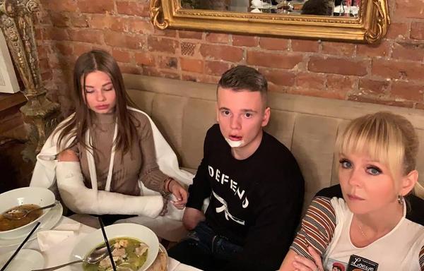 Лиана, Арсений и певица Валерия