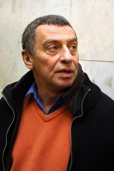 Отцом Владимира был режиссер Иван Дыховичный.