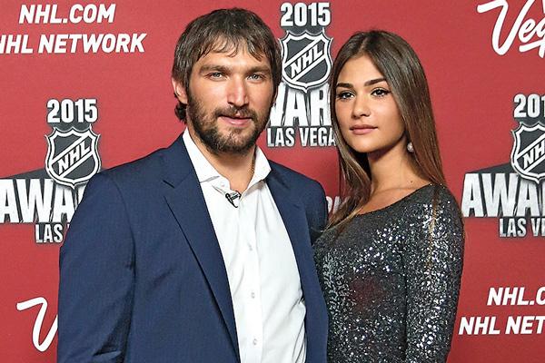 Роман Александра Овечкина и Анастасии Шубской был страстным и стремительным, уже через полгода отношений хоккеист предложил девушке стать его женой
