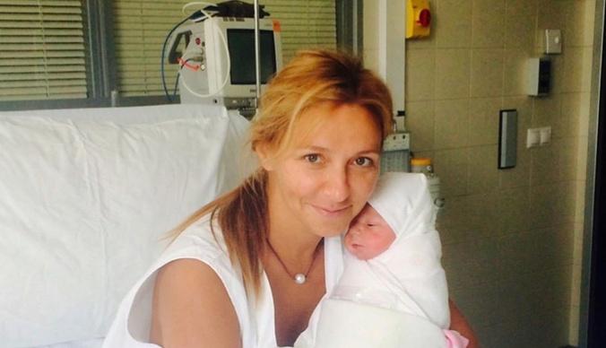 Татьяна Навка показала фото с Дмитрием Песковым в роддоме