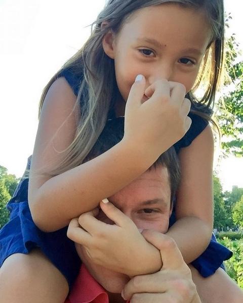 Дочь Даны Борисовой Полина с отцом Максимом Аксеновым