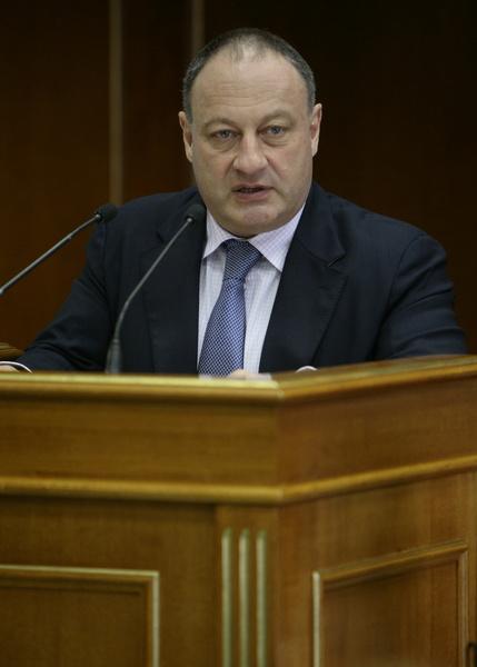 Владимир Слуцкер