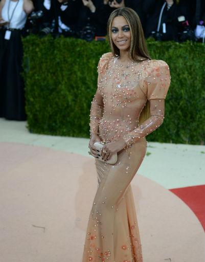 Бейонсе в платье Givenchy на Met Gala