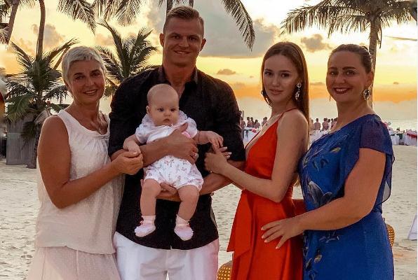 По слухам, свекровь Костенко недовольна тем, что невестка пришла на все готовое