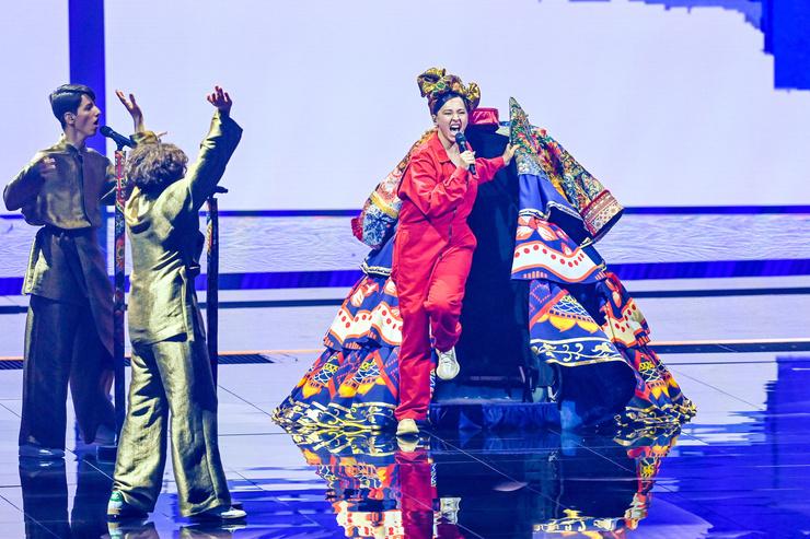 Фрагмент выступления Манижи на «Евровидении-2021»